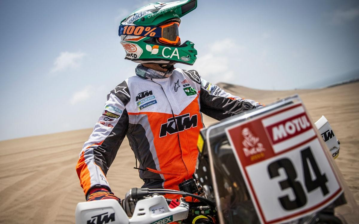 Photo of Pablo Quintanilla wins on motorcycles and approaches the lead