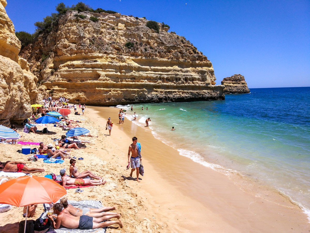 Photo of Praia da Marinha – Video