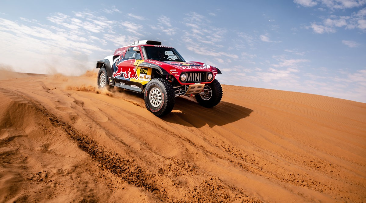 Photo of Stéphane Peterhansel and Paulo Fiúza win Dakar's fourth stage in cars