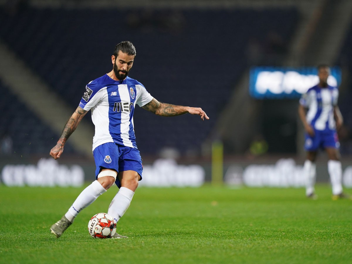 Photo of FC Porto beats Ac. Viseu and is in the final with Benfica