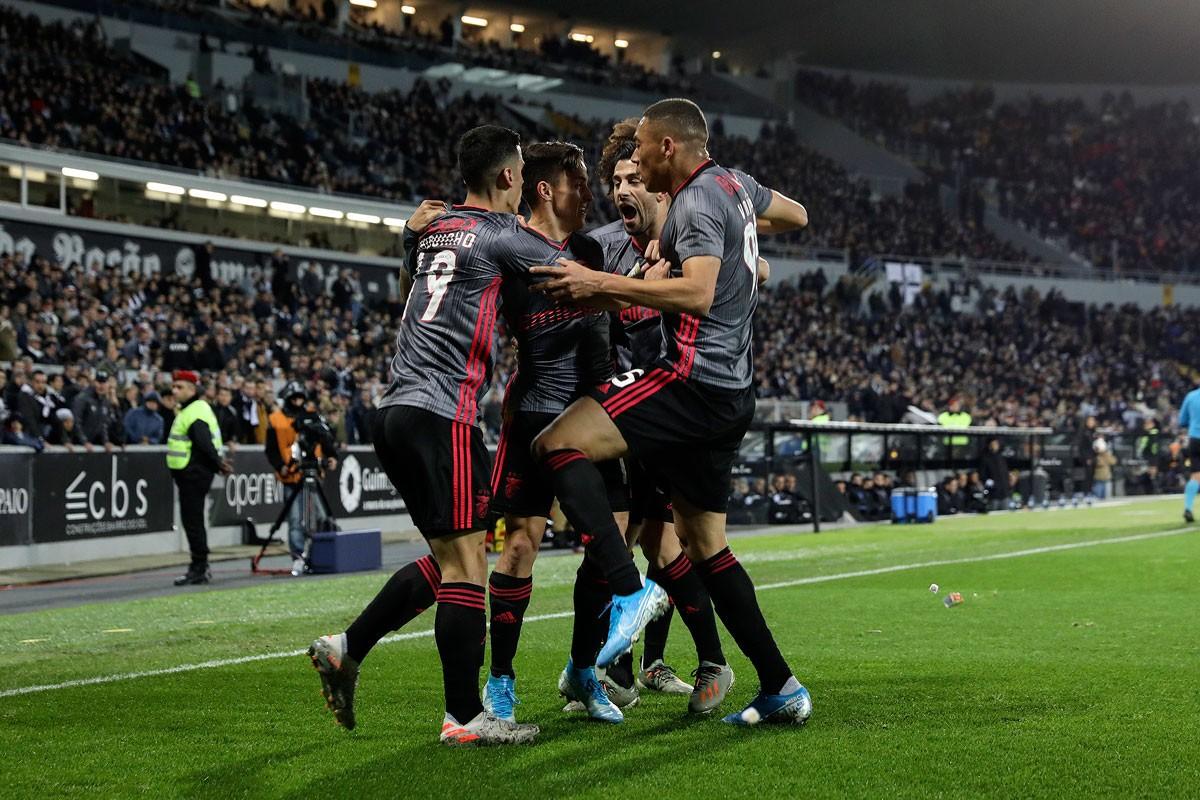 Photo of Benfica beats Vitória SC