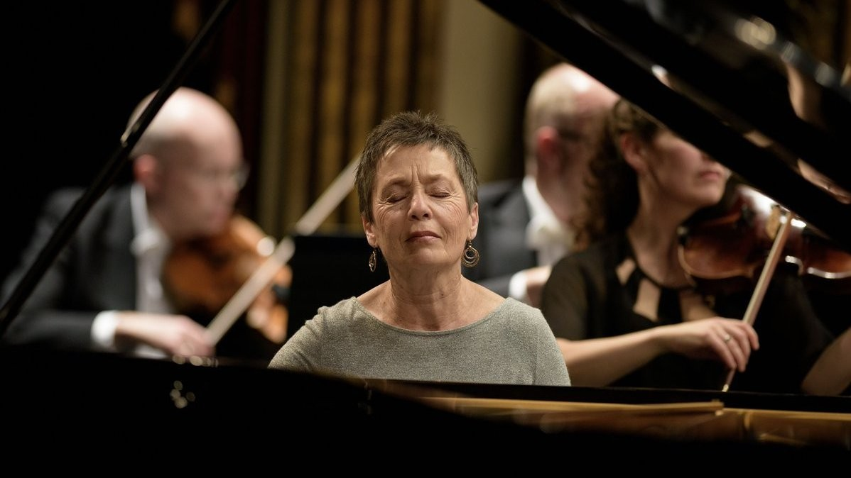 Photo of Maria João Pires gives a concert with Children's Choir at Gulbenkian