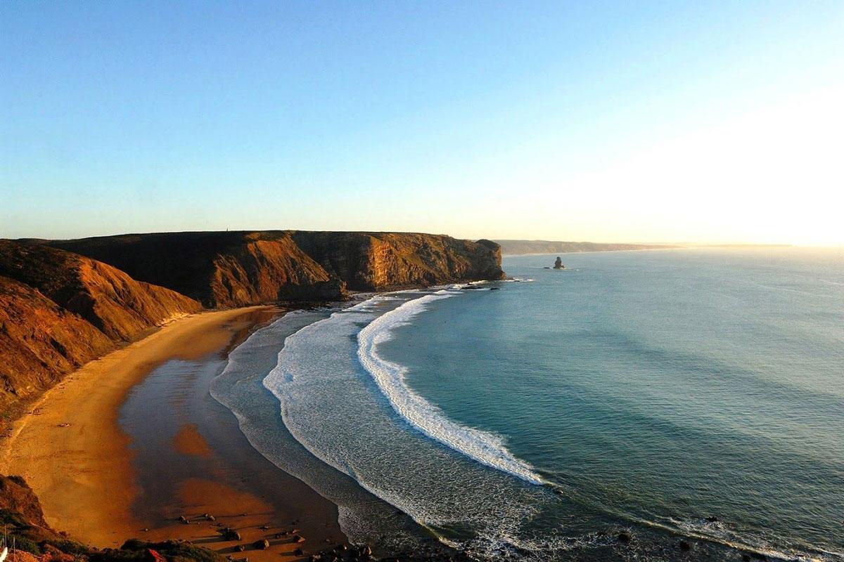 Photo of Praia da Arrifana – Places to visit