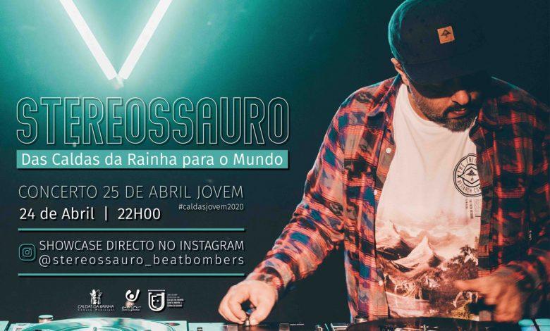 Photo of Stereossauro in the 25th of April celebrations of Caldas da Rainha
