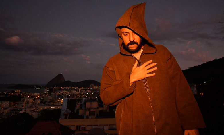 Photo of Gabriel O Pensador's new single, available on May 16th
