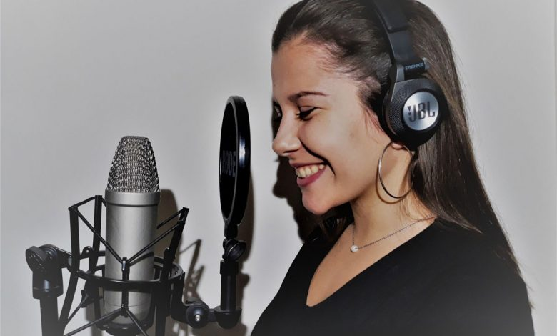 "Photo of Mariana Moreira presents new album ""Comumdidade"""
