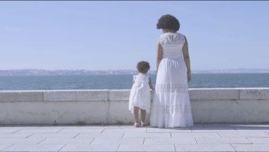 "Photo of Lura releases ""Nina de Santiago"", a song dedicated to her daughter"
