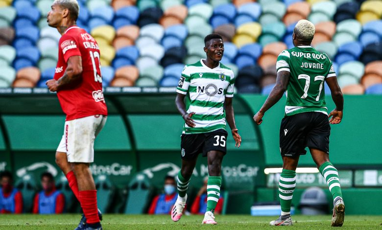 Photo of Sporting beats Santa Clara in Alvalade