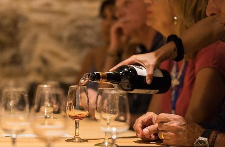 Photo of How about a Guided Tour and tasting at the Poças Port wine cellar