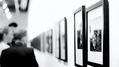 Photo of Photojournalist Daniel Rodrigues with an exhibition in Ponta Delgada