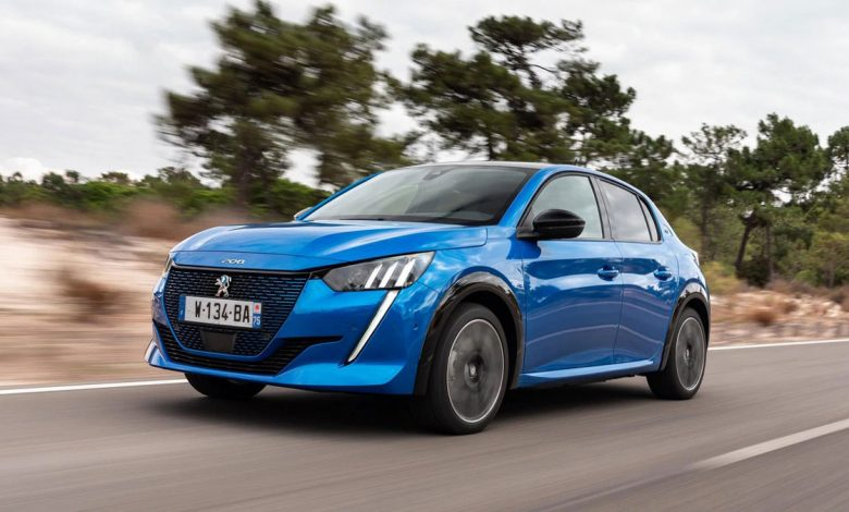 "Photo of Peugeot e-208 elected ""Electric Small Car of the Year"""