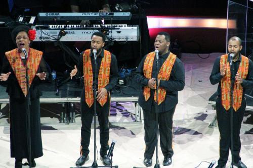 01_Harlem Gospel Choir (15)